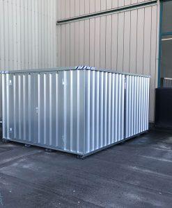 Metalen opslagcontainer met dubbele deur op de lange zijde van snelbouwcontainer